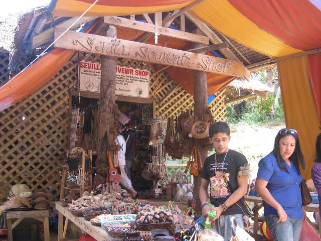 sevilla souvenir shop