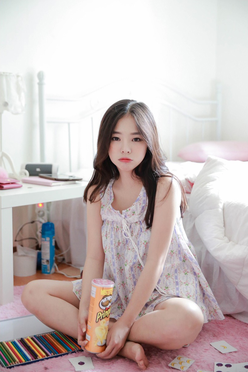 Cute Chinese Maid Cosplay: Cutie Haneul On/Off