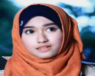 Biodata Ochi Rosdiana sebagai pemeran Zahra