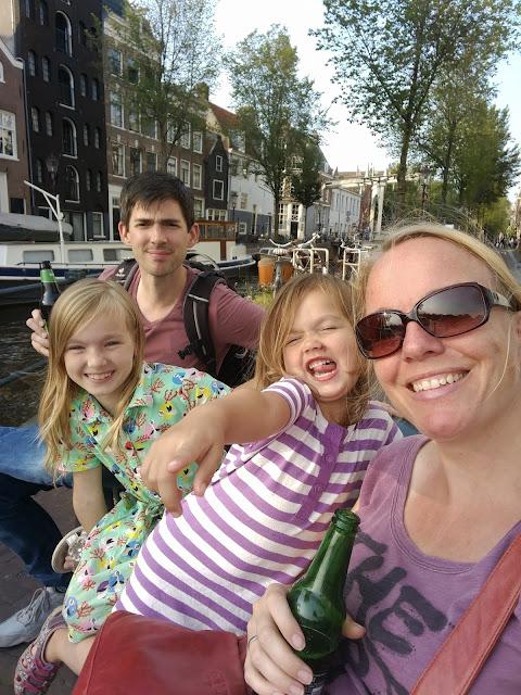 Lari Lara reist nach Amsterdam
