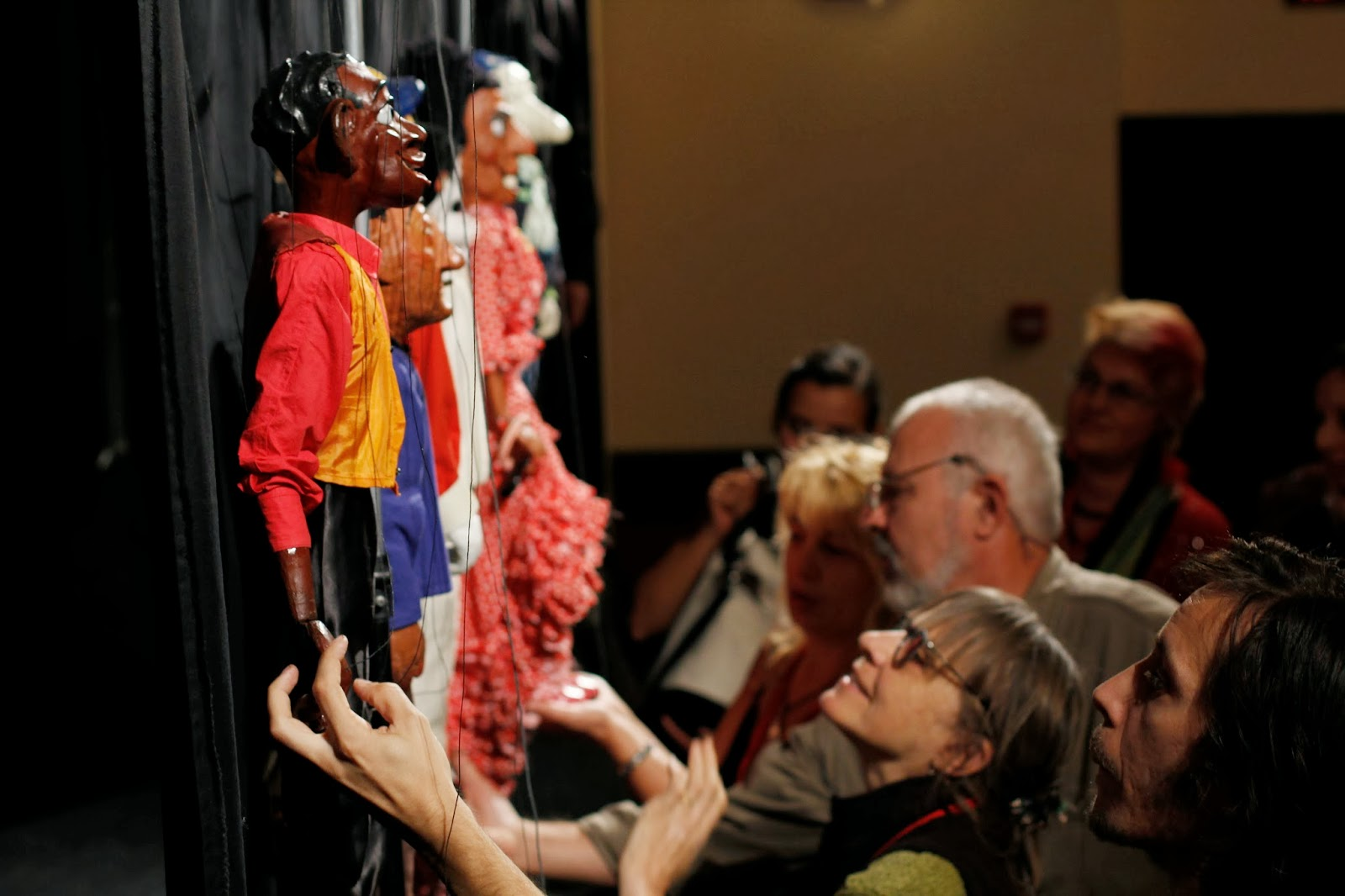Examining our puppets SOLOIST Rocamora Teatre