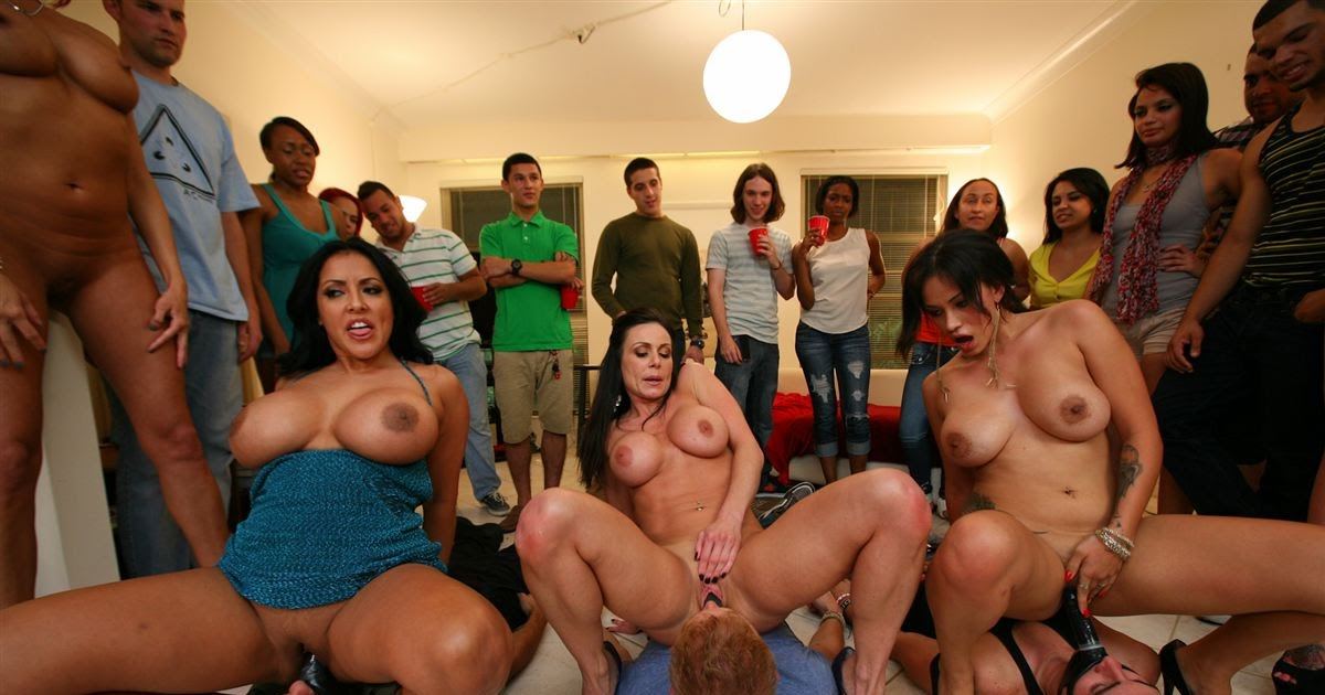 Вечеринка bangbros порно