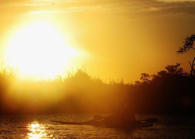 Pôr do Sol no Rio Itaúnas