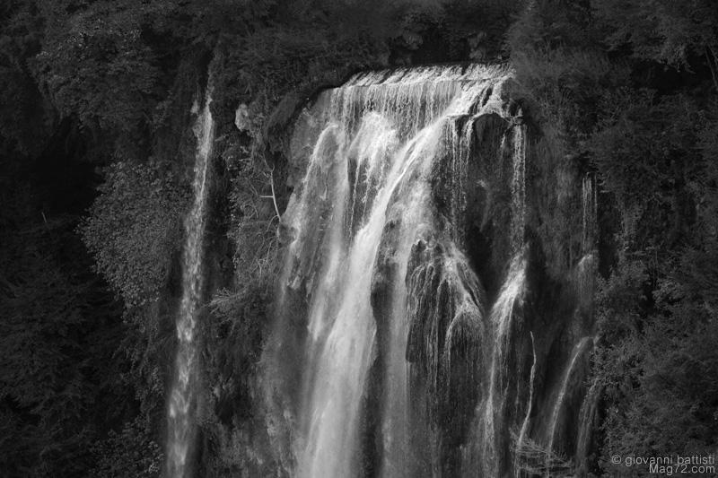 Foto in bianco e nero della cascata delle Marmore