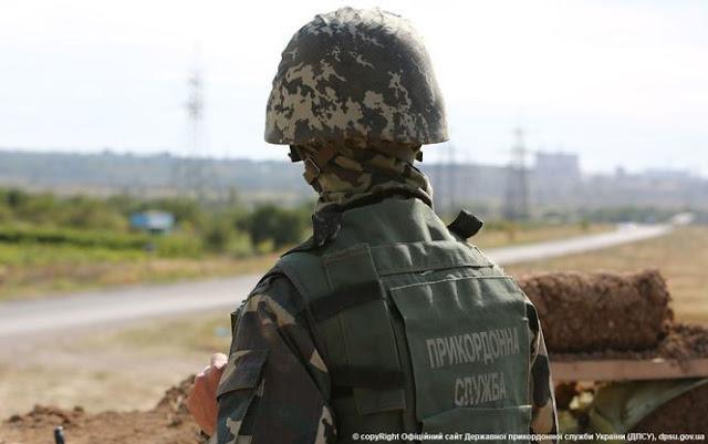 Прикордонники зі стріляниною зупинили двох утікачів біля кордону на Буковині