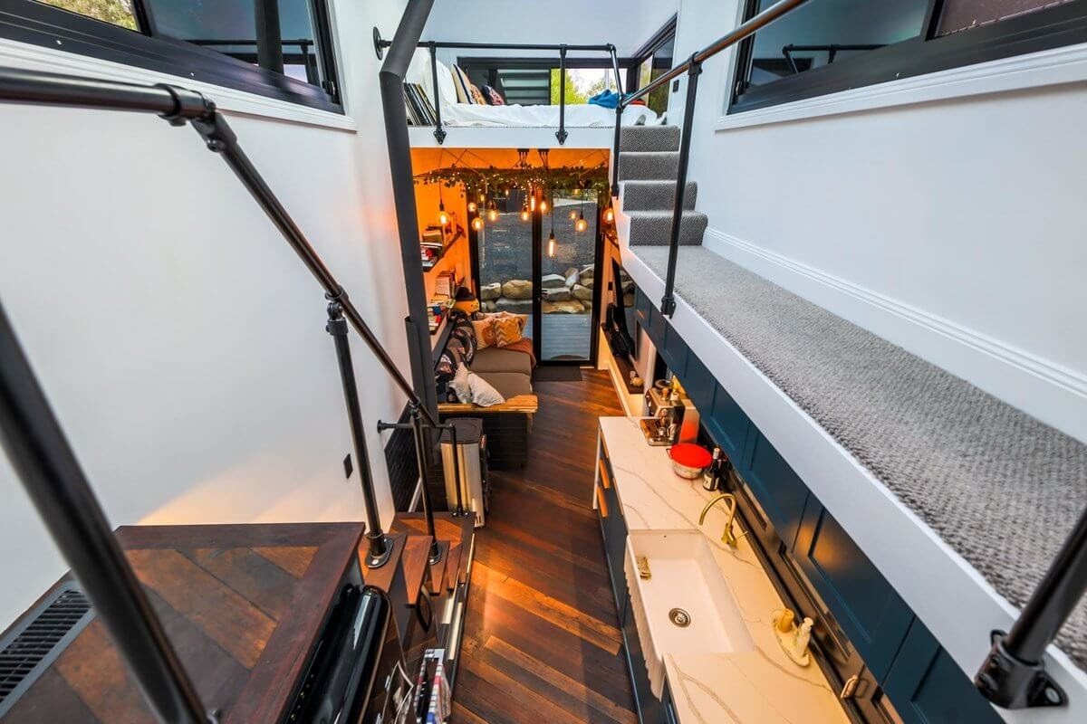 03-Kitchen-and-Living-Room-Matt-Hobbs-Large-Tiny-House-on-Wheels-www-designstack-co