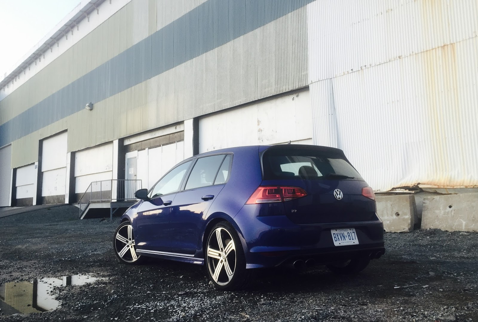2016 volkswagen golf r review all the right compromises. Black Bedroom Furniture Sets. Home Design Ideas