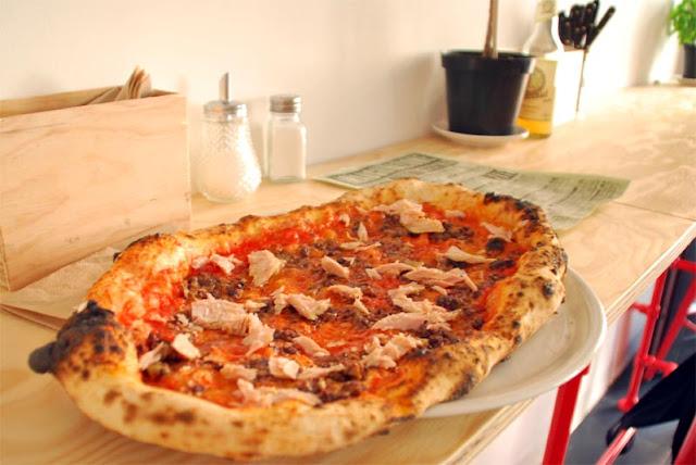 Pizza Lungo Tonno mit confiertem Thunfisch | pastasciutta.de