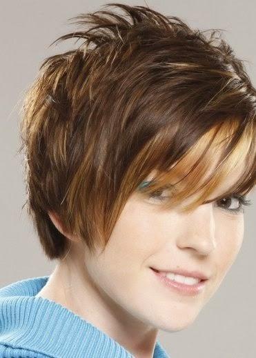coiffure cheveux courts femme 50 ans visage rond coloration des cheveux moderne. Black Bedroom Furniture Sets. Home Design Ideas