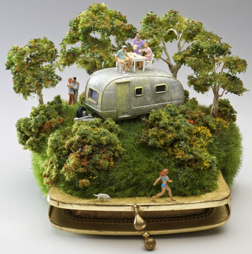 03-Kendal-Murray-Surreal-Miniature-Worlds-in-Everyday-Objects-www-designstack-co