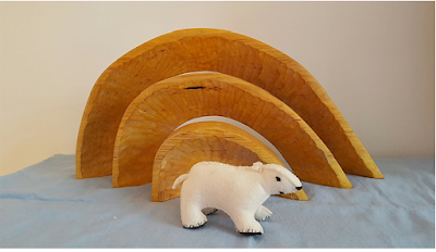 Atelier de Vier Jaargetijden Polar Bear Waldorf winter nature table
