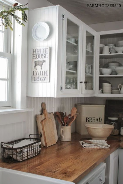 http://littlevintagenest.com/friday-favorites-farmhouse-kitchen-goodies/