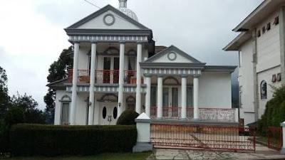 Villa Besar Leluasa Untuk 30 Sampai 50 Orang Di Lembang
