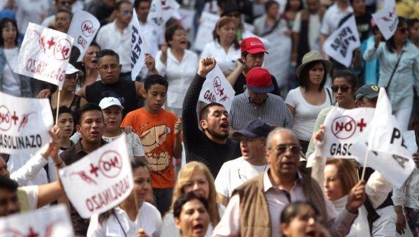 Continúan las protestas por alza de combustibles en México