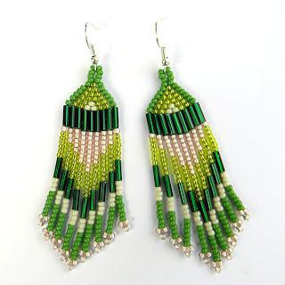 купить зеленые серьги из бисера