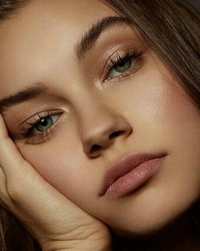 Los Productos De Belleza Imprescindibles Para Conseguir Un - Maquillaje-natural-de-dia