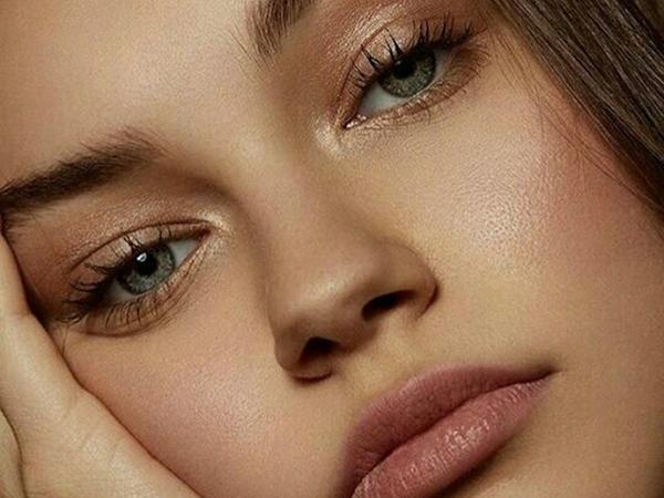 Los productos de belleza imprescindibles para conseguir un maquillaje natural
