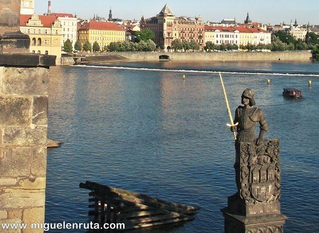 Río-Moldava-construcciones