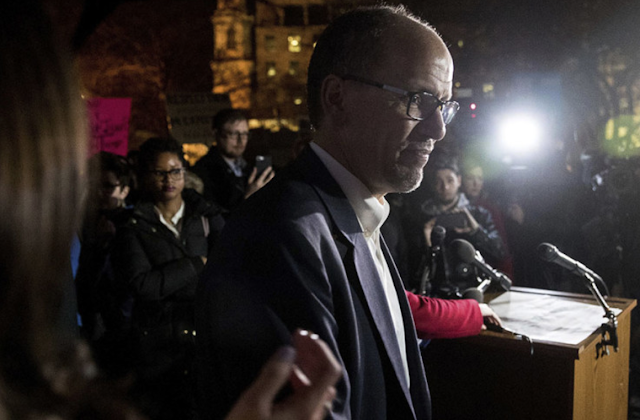 Sanders-backed DNC plan sparks superdelegate revolt