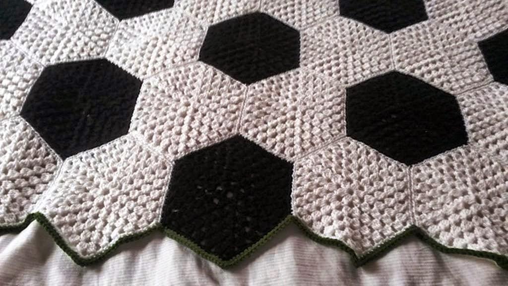 Cubrecama de fútbol | Crochet y Dos agujas - Patrones de tejido