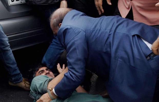 CPI कार्यकर्ता को पीटते कैमरे में कैद हुए BJP विधायक