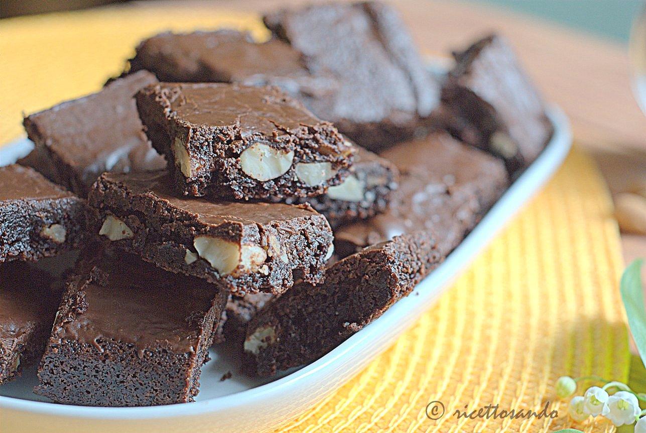 Brownies alle mandorle per intolleranti al glutine