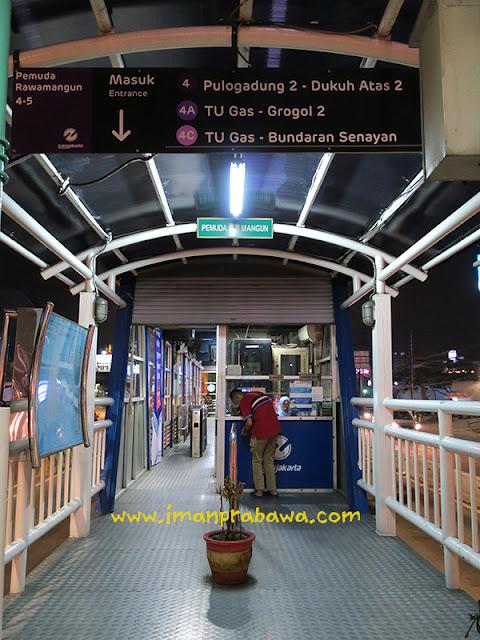 Halte Busway Pemuda Rawamangun