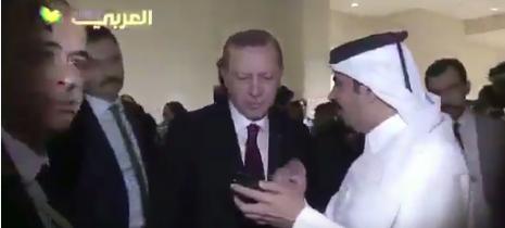 صور اشتباك المذبع الاعلامي عبدالله العذبه مع الحرس الشخصي لـ اردوغان