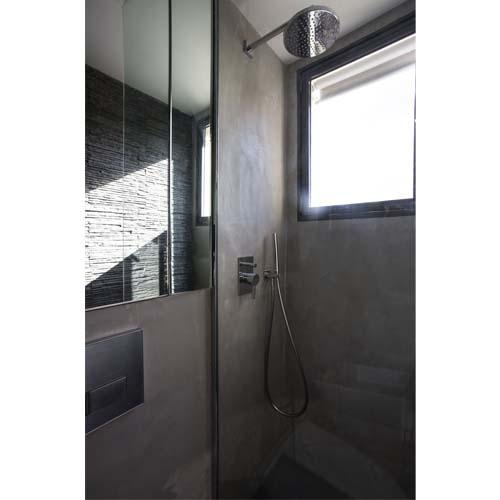 Creare un bagno in un appartamento di 16 mq a Parigi