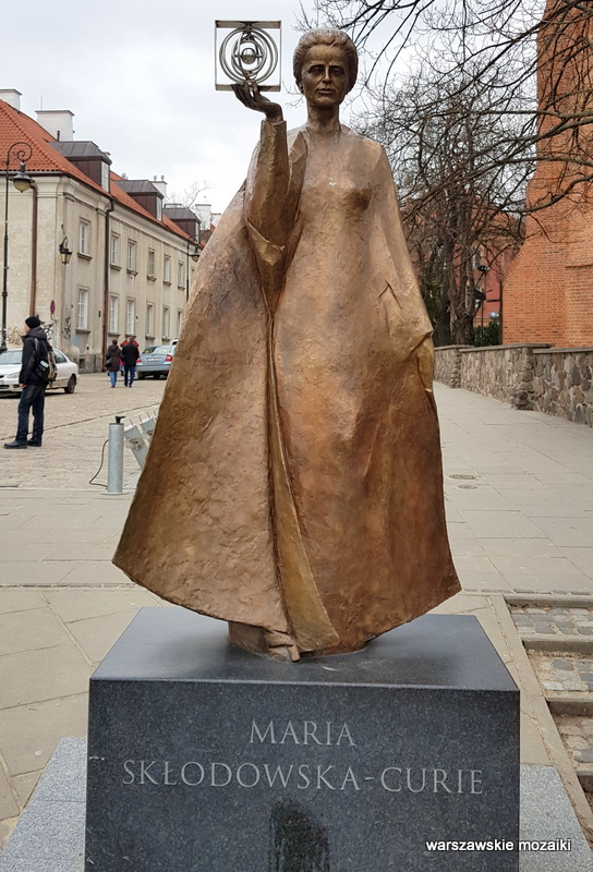 Warszawa Warsaw Kościelna rzeźba noblistka Bronisław Krzysztof