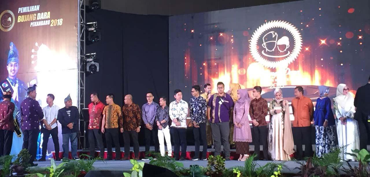 Selamat! Inilah Pemenang Bujang Dara Pekanbaru 2018, Dan hinggalah di malam Puncak Pemilihan di SKA Co Ex tadi malam (sabtu 14/4). Sebuah acara yang digelar oleh Dinas Kebudayaan dan Pariwisata (Disbudpar) Kota Pekanbaru