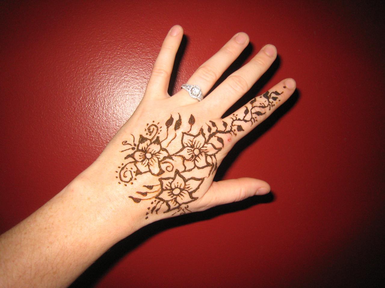 Gambar Henna Tangan Simple Untuk Anak Anak Balehenna