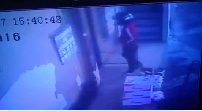 Vídeo mostra assaltante praticando assalto ao Super Mercado Rainha