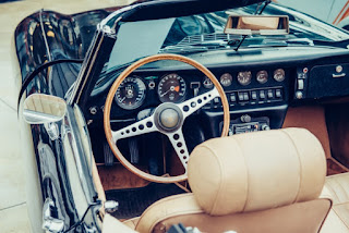 classic car dealer