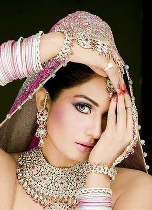 Fashion Trends 2011: Gorgeous Pakistani Bridal Jewelry Design