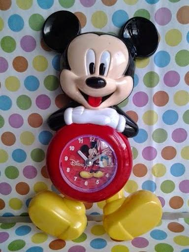 unix shop  Jam Dinding Goyang Mickey Mouse 82059df2c1