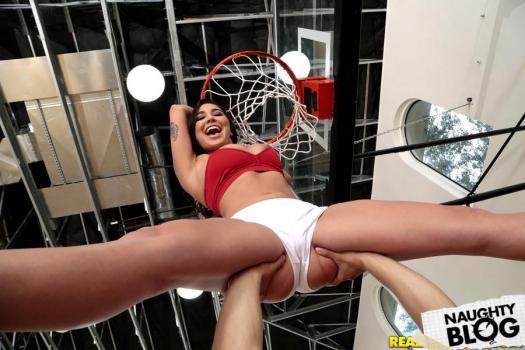 Big Naturals – Karlee Grey: Shes Ballin