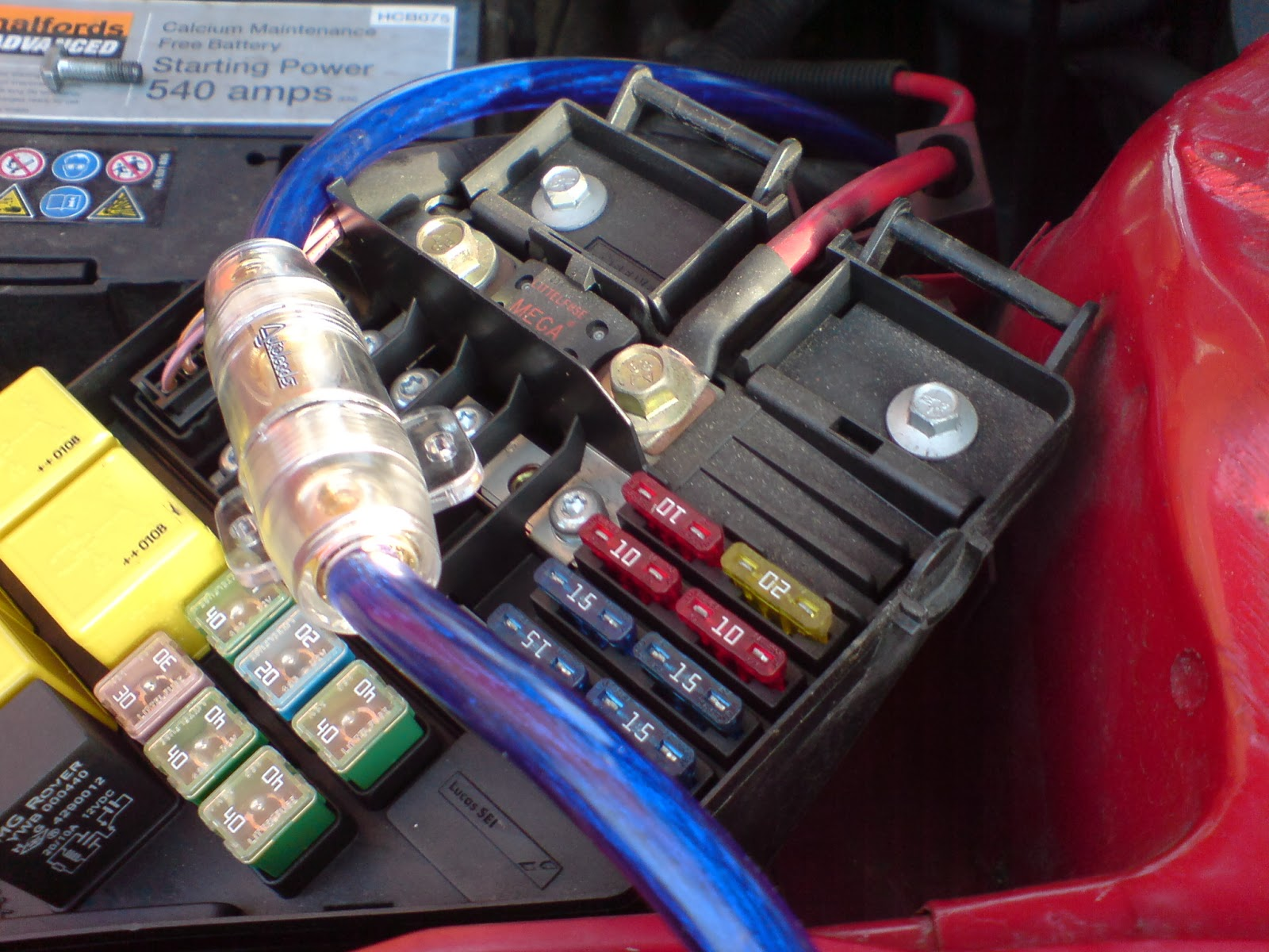 fuse box on a rover 25 wiring diagram toolboxvibe subwoofer and amp box fitted mg rover [ 1600 x 1200 Pixel ]
