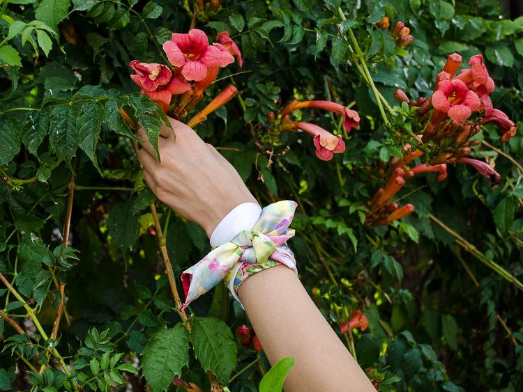 fashion-blogger-diyora-khalilova-floral-print-shorts-asos-offshoulder-hat