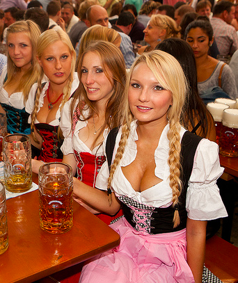 [Image: octoberfest-dirndl-girls-sexy-15.png]