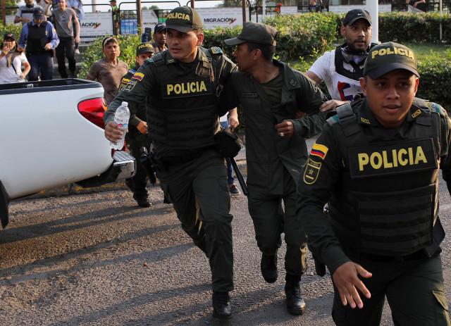 En un día, 85 militares huyeron del régimen de Maduro hacia Colombia