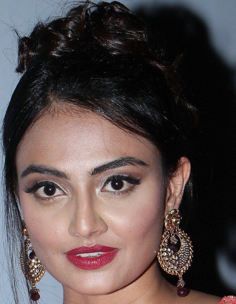 Beautiful Hyderabadi Girl Nikitha Narayan Oily Face Close Up Stills