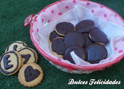 Galletas de mantequilla con cobertura de chocolate