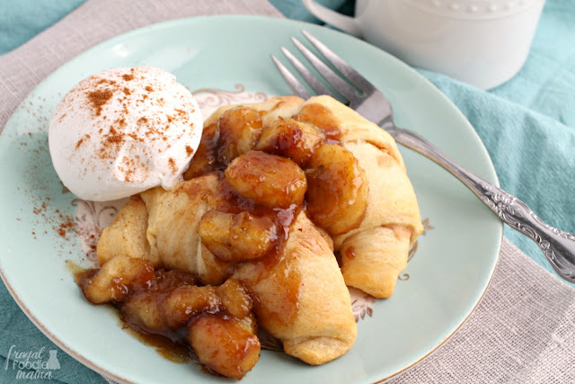 Flaky crescent rolls are stuffed with creamy peanut butter, baked golden brown, & then topped with perfectly caramelized bananas in this decadent breakfast treat.