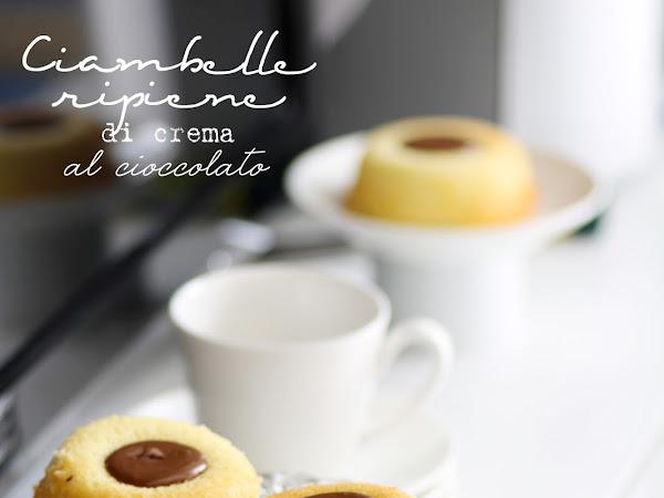 Ciambelle ripiene di crema al cioccolato