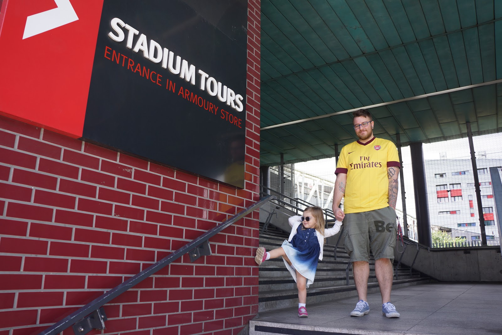 What the Arsenal Stadium Tour is like? At the Arsenal entrance