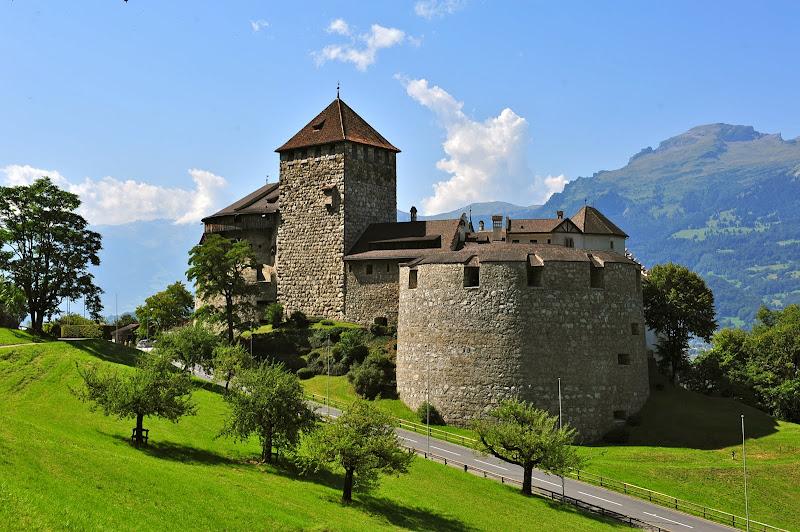 Merlin and Rebecca Castle Hunting Schloss Vaduz