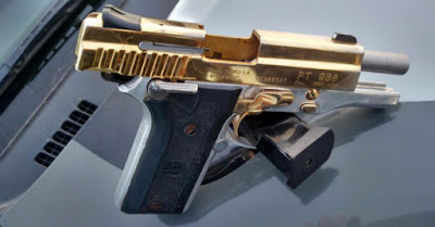 INCRÍVEL! Quadrilha é presa com arma banhada a ouro em Fortaleza