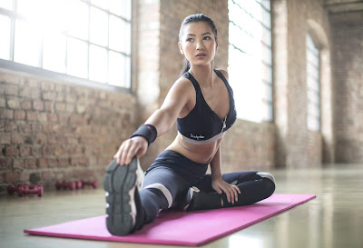 5 Yoga Poses that Can Give You a Glowing Skin,yoga benefits,yogamen,yoga poses for beginners