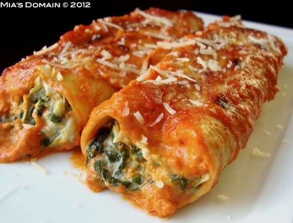 ... Domain: Artichoke Spinach Cannelloni With Roasted Red Pepper Sauce
